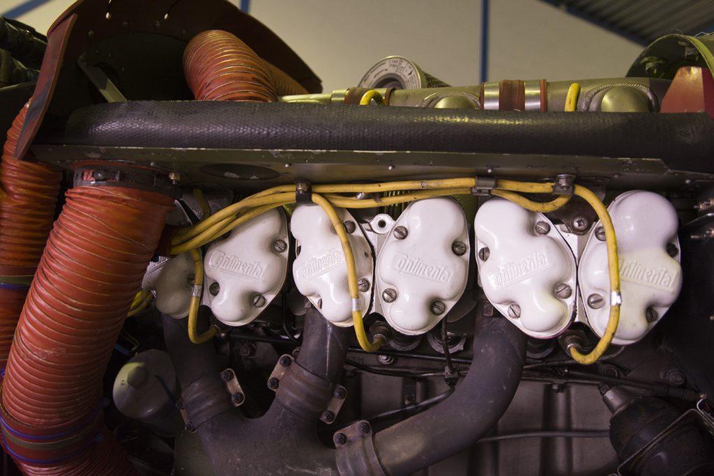Vliegtuigmotor van de Cessna Skymaster.